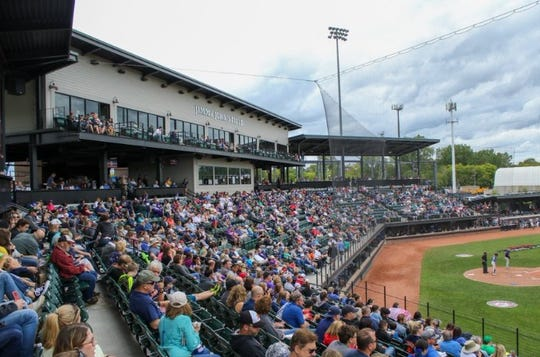 Sunday's championship game between the Utica Unicorns and Westside Woolly Mammoths was played in front of 4,926 fans at Jimmy John's Field.