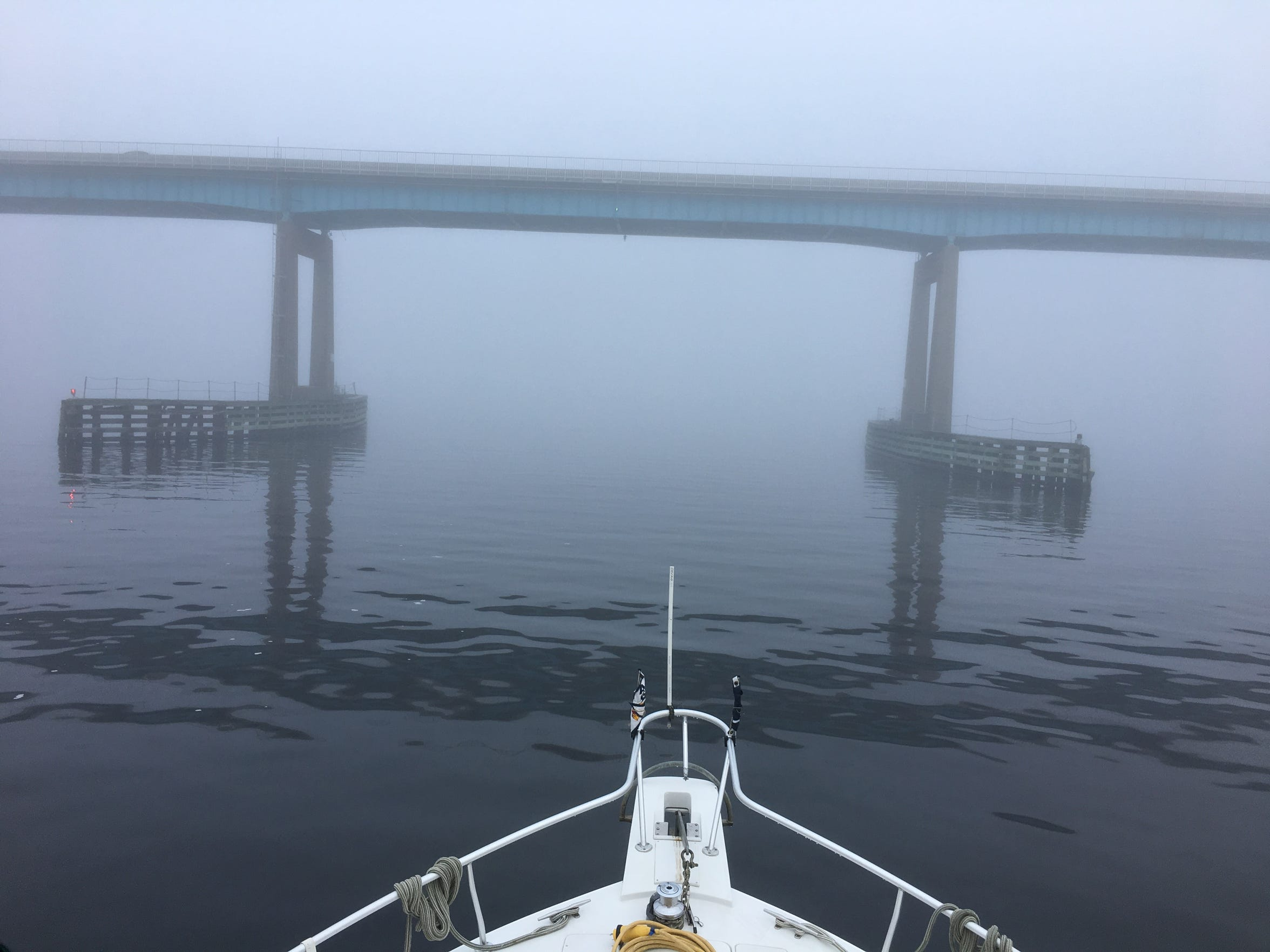 Foggy conditions in Fort Walton on the Gulf Intracoastal Waterway as the Bakers of Milford travel America's Great Loop.