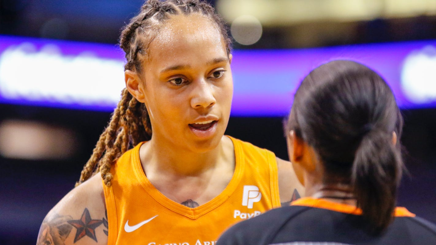 Phoenix Mercury begin WNBA playoffs with Diana Taurasi out, in elimination game at Chicago