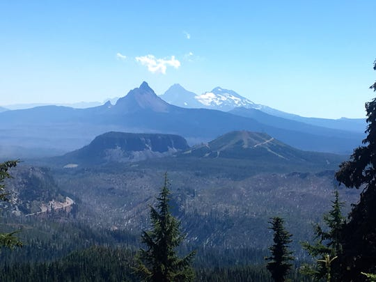 Views of Mount Washington, Three Sisters and Hoodoo Ski Area at Santiam Pass highlight the Maxwell Butte Trail.