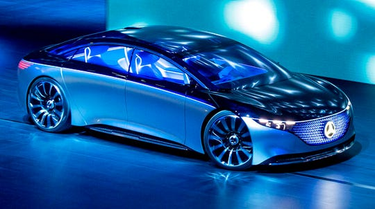 A 'Vision EQS' of the car manufacturer Mercedes is displayed.