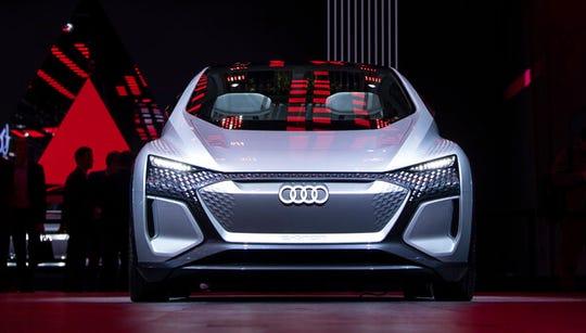 An 'Audi PB18 E-Tron' is displayed.
