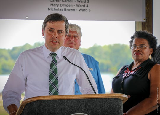 Mayor Toby Barker announces the trail extension at Duncan Lake Sept. 9, 2019. The extension comes in part due to a $120,000 grant.