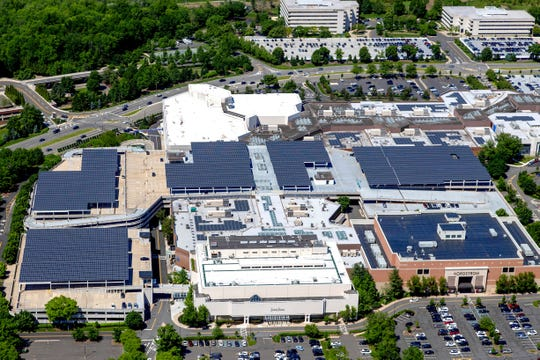 The Mall at Short Hills added 9,000 solar panels to its roof and parking deck, Safari Energy announced Tuesday.