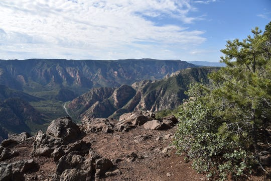 A sheer drop-off marks the rim of Sycamore Canyon.