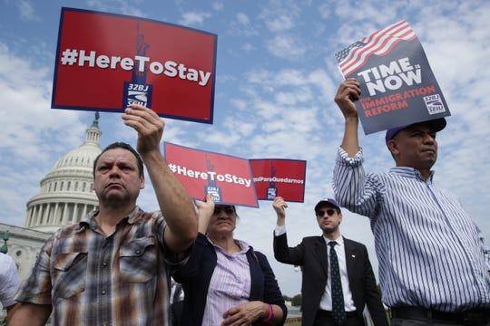Beneficiarios de DACA y TPS piden a los gobernantes en Washington una solución permanente.