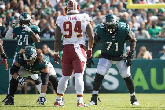Eagles' Jason Peters (71) gets set at the line of scrimmage Sunday against the Washington Redskins.