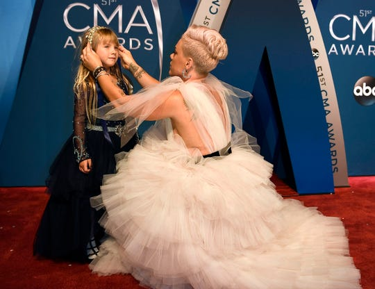 Pink dedicated a VMA win to daughter Willow and shared a heartwarming message about being yourself.