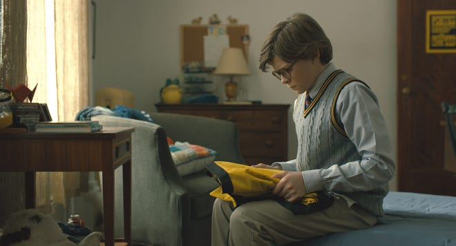 "Theo (Oakes Fegley) steals ""The Goldfinch"" in the movie of the same name. This is fiction."