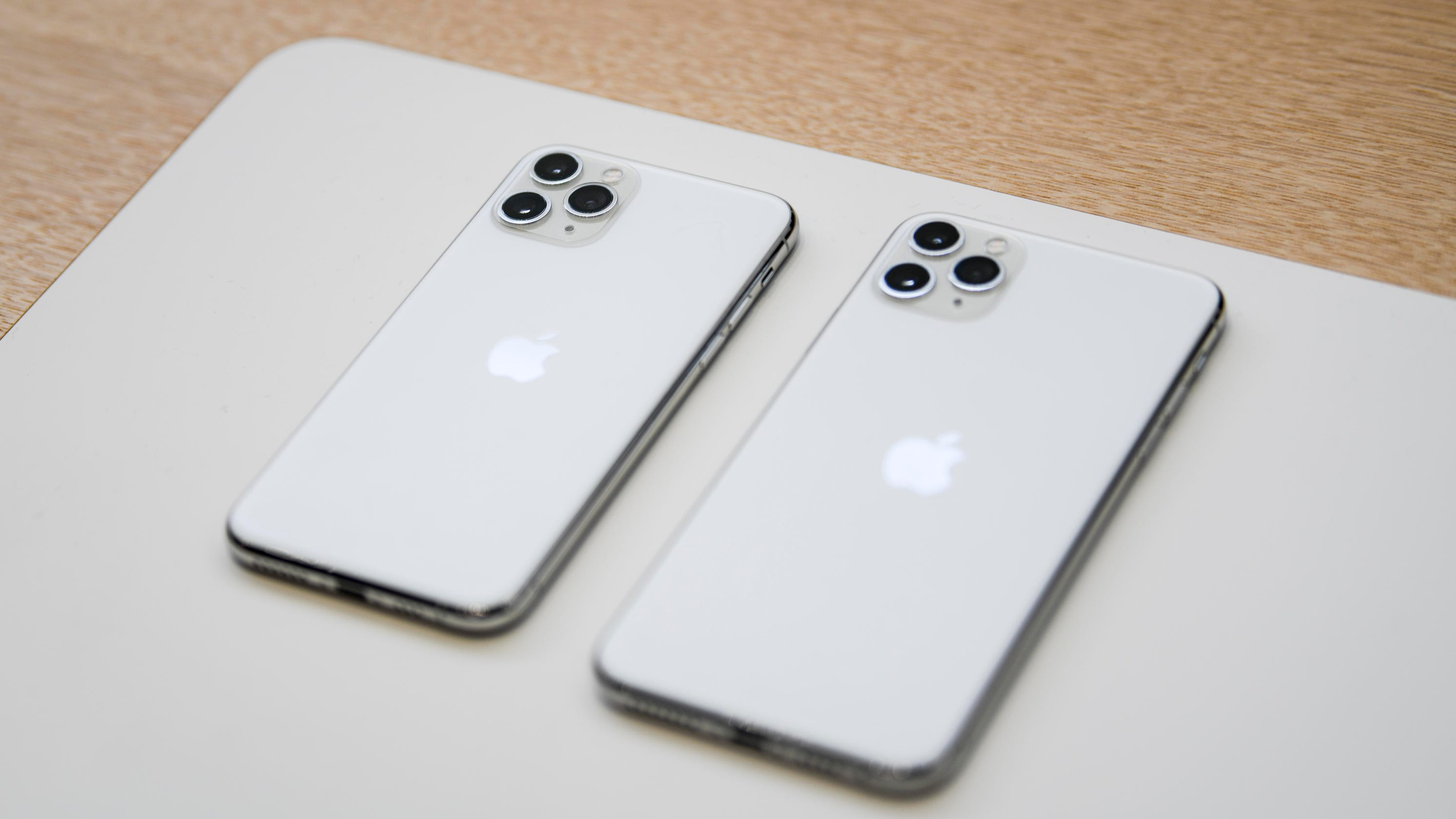 ordering iphone 11 wireless carrier deals for new apple. Black Bedroom Furniture Sets. Home Design Ideas