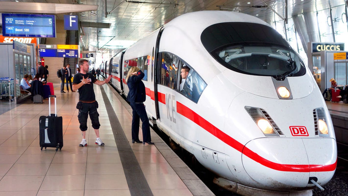 All aboard for a memorable family train trip: See the US, Canada, Europe, Vietnam by rail