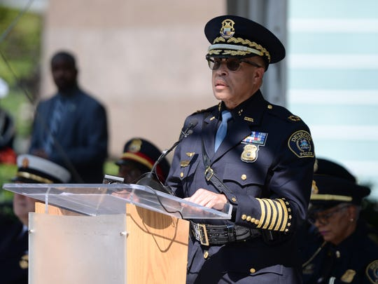 DPD Chief James Craig should terminate officers with histories of untruthfulness, Thompson writes.