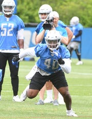 Lions linebacker Jarrad Davis missed the season opener against the Cardinals with an ankle injury.