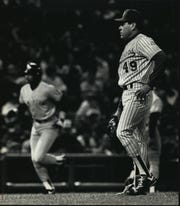 Teddy Higuera ignores the Yankees' Jesse Barfield after his third-inning home run in 1990.