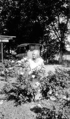 Trinidad Mejia Escalante Swilling Schumaker in her phoenix garden in the 1920s.