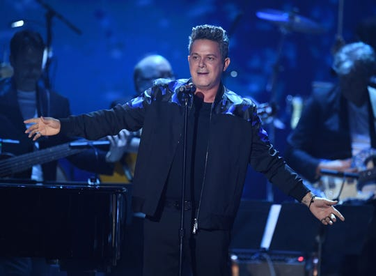 Spanish singer-songwriter Alejandro Sanz will perform at Comerica Theatre in October.