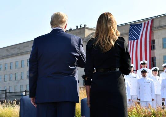 El presidente Donald Trump y la Primera Dama Melania, durante la ceremonia en memoria de las víctimas del 9/11.