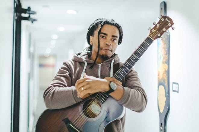 Royce Lovett will perform with the Sundown Concert Series at Cascades Parks on Saturday.