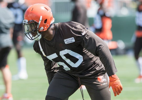 Cleveland Browns defensive end Chris Smith.