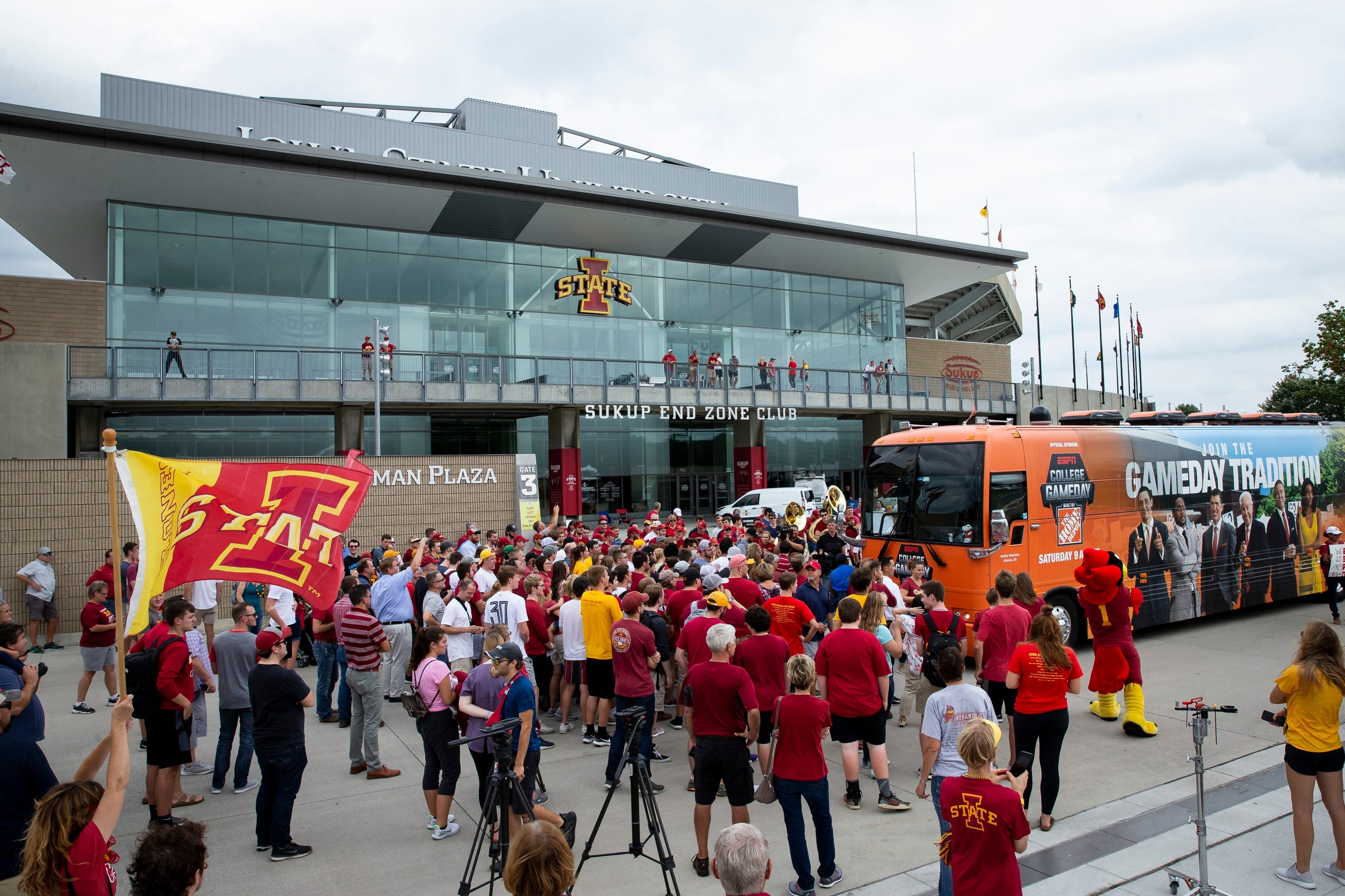 DirecTV customers may not get Cy-Hawk 'College GameDay' broadcast