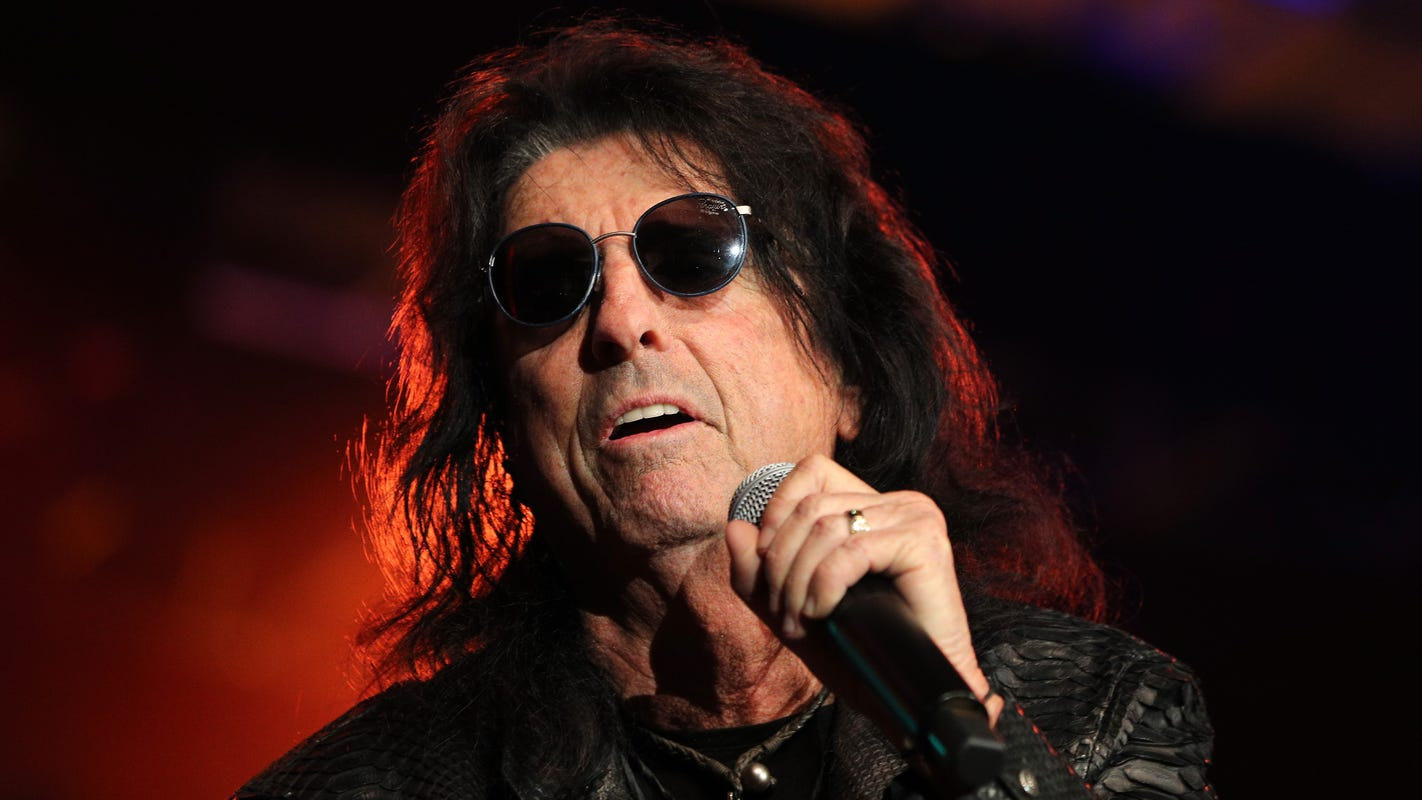 Alice Cooper's summer tour dates include a stop at DTE Energy Music Theatre