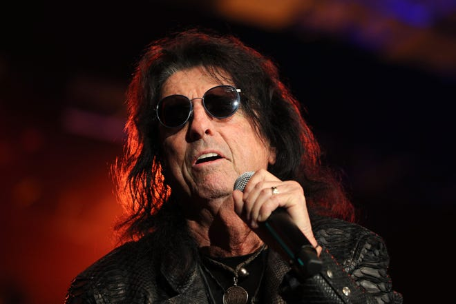 Alice Cooper performs at the 2018 So the World May Hear Awards Gala benefitting Starkey Hearing Foundation at the Saint Paul RiverCentre on July 15, 2018, in St. Paul, Minn.