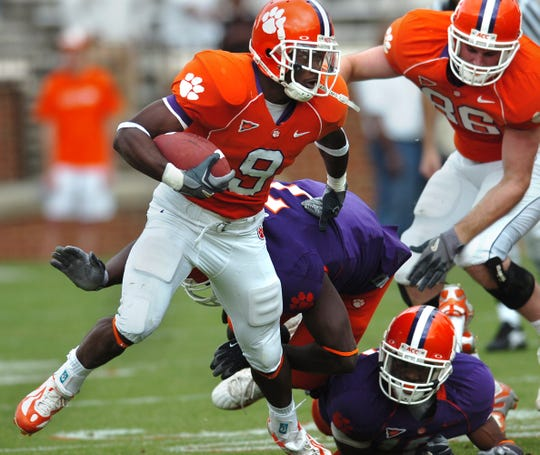 Clemson's Ray Ray McElrathbey (9) carries the ball during the 2007 spring game at Memorial Stadium in Clemson.