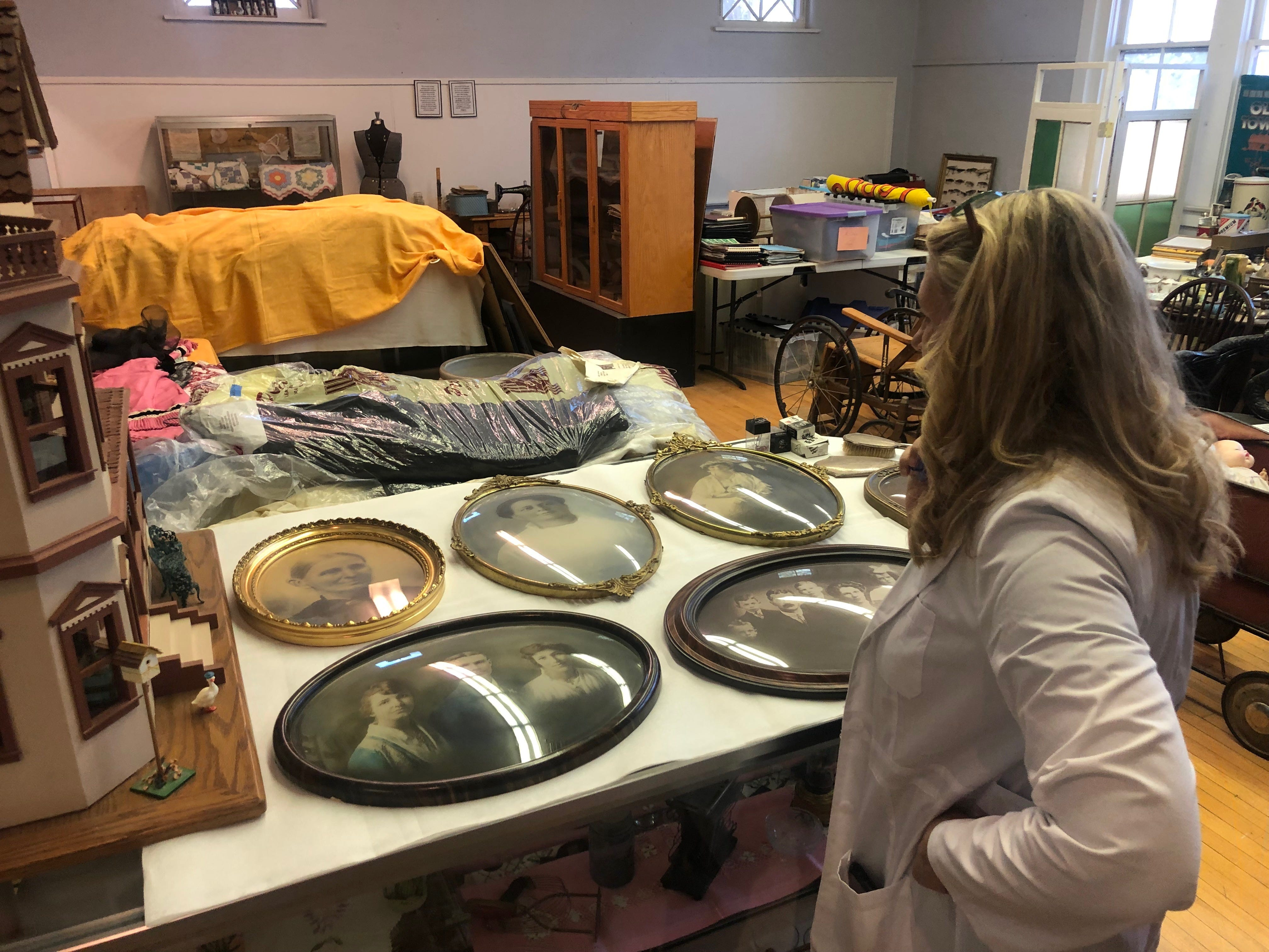 Searching for owners of artifacts after Peoria museum shutters