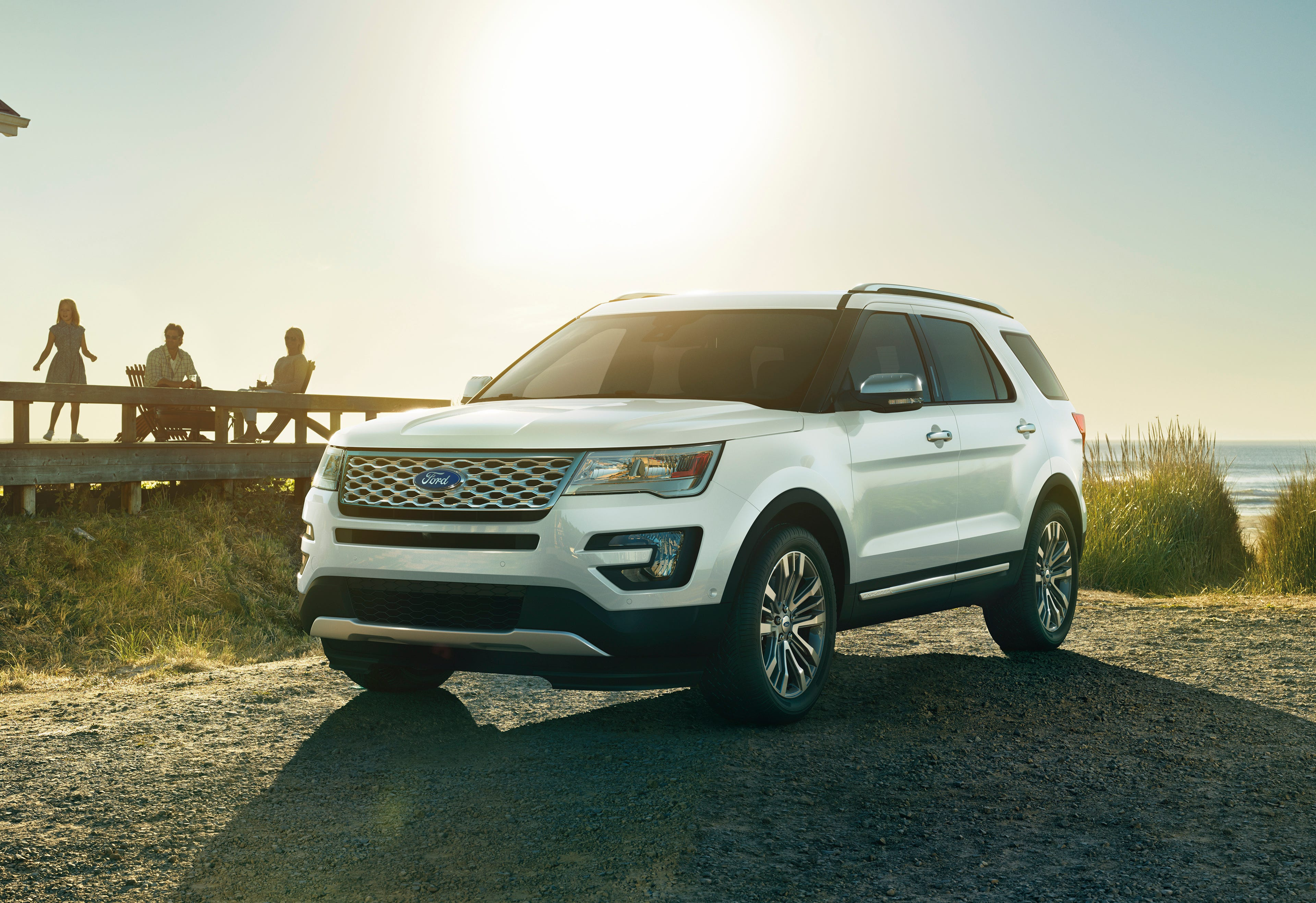 Ford issues safety alert for 375,200 Ford Explorers with defect tied to 13 accidents