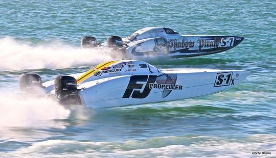Powerboat race photo taken by Pete Boden.