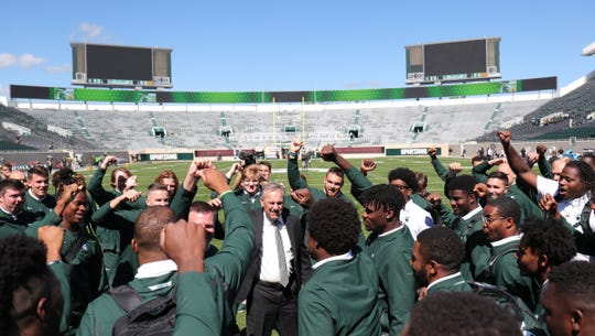 Michigan State Spartans head coach Mark Dantonio rallies his team before action against the Arizona State Sun Devils, Saturday, Sept. 14, 2019 at Spartan Stadium.
