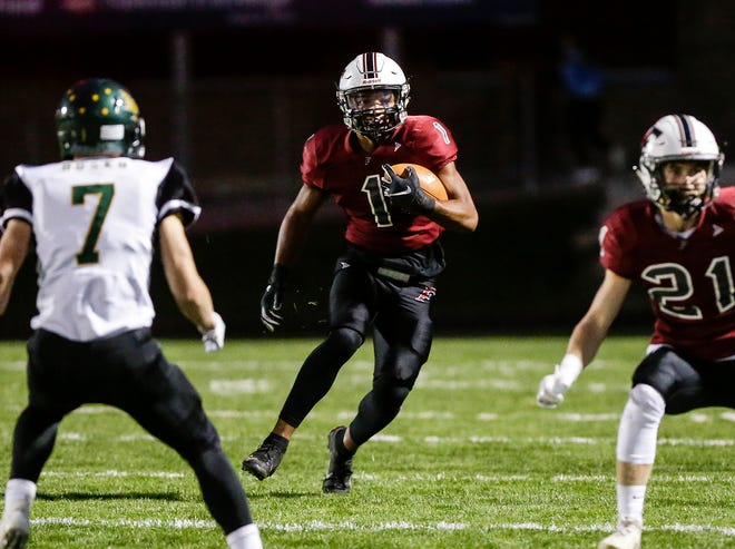 Fond du Lac's Braelon Allen runs the ball against D.C. Everest Friday, Sept. 13, 2019, during their game in Fond du Lac, Wis.