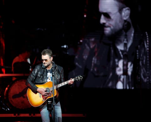 Eric Church in Green Bay: Surprise parking lot visits, food truck tacos and quick trip to Iowa