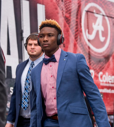 Alabama wide receiver Henry Ruggs, III, (11) arrives with the team before the South Carolina game at Williams-Brice Stadium in Columbia, S.C., on Saturday September 14, 2019.
