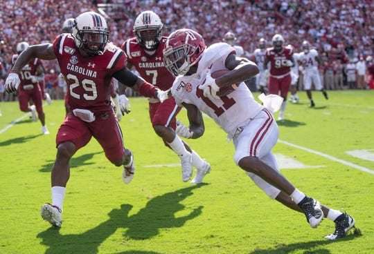 Alabama wide receiver Henry Ruggs, III, (11) runs against South Carolina at Williams-Brice Stadium in Columbia, S.C., on Saturday September 14, 2019.