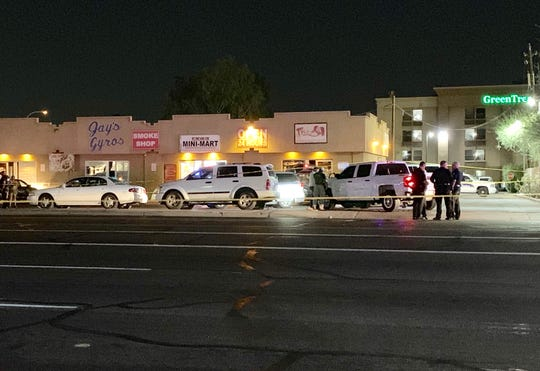 Sheriff's deputy shoots suspect in Phoenix; witnesses say vehicle was shot at