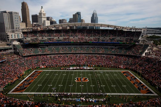 San Francisco 49ers prepare to kick off to Cincinnati Bengals in the first quarter of the NFL game between Cincinnati Bengals and San Francisco 49ers at Paul Brown Stadium in Cincinnati on Sunday, Sept. 15, 2019.