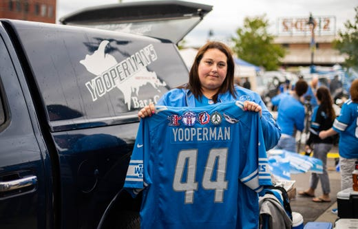 lowest price f3bb0 4a2ae Detroit Lions fans remember 'Yooperman' as beloved tailgater