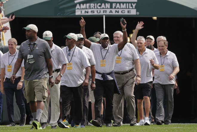 Green Bay Packers alumni are introduced on the field during a halftime ceremony honoring the late Bart Starr Sunday, September 15, 2019, at Lambeau Field in Green Bay, Wis.