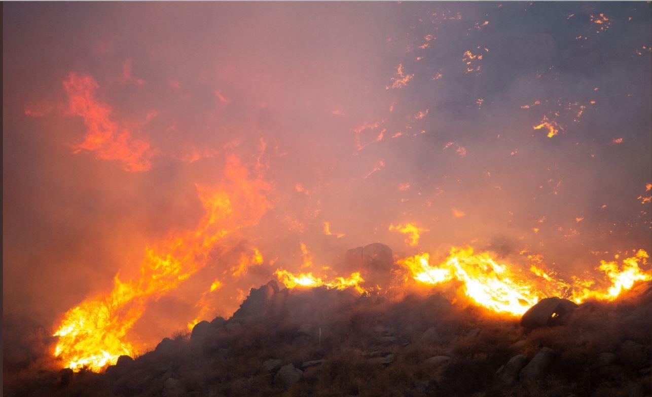 LOOK: Horseshoe Fire threatens homes in Juniper Flats