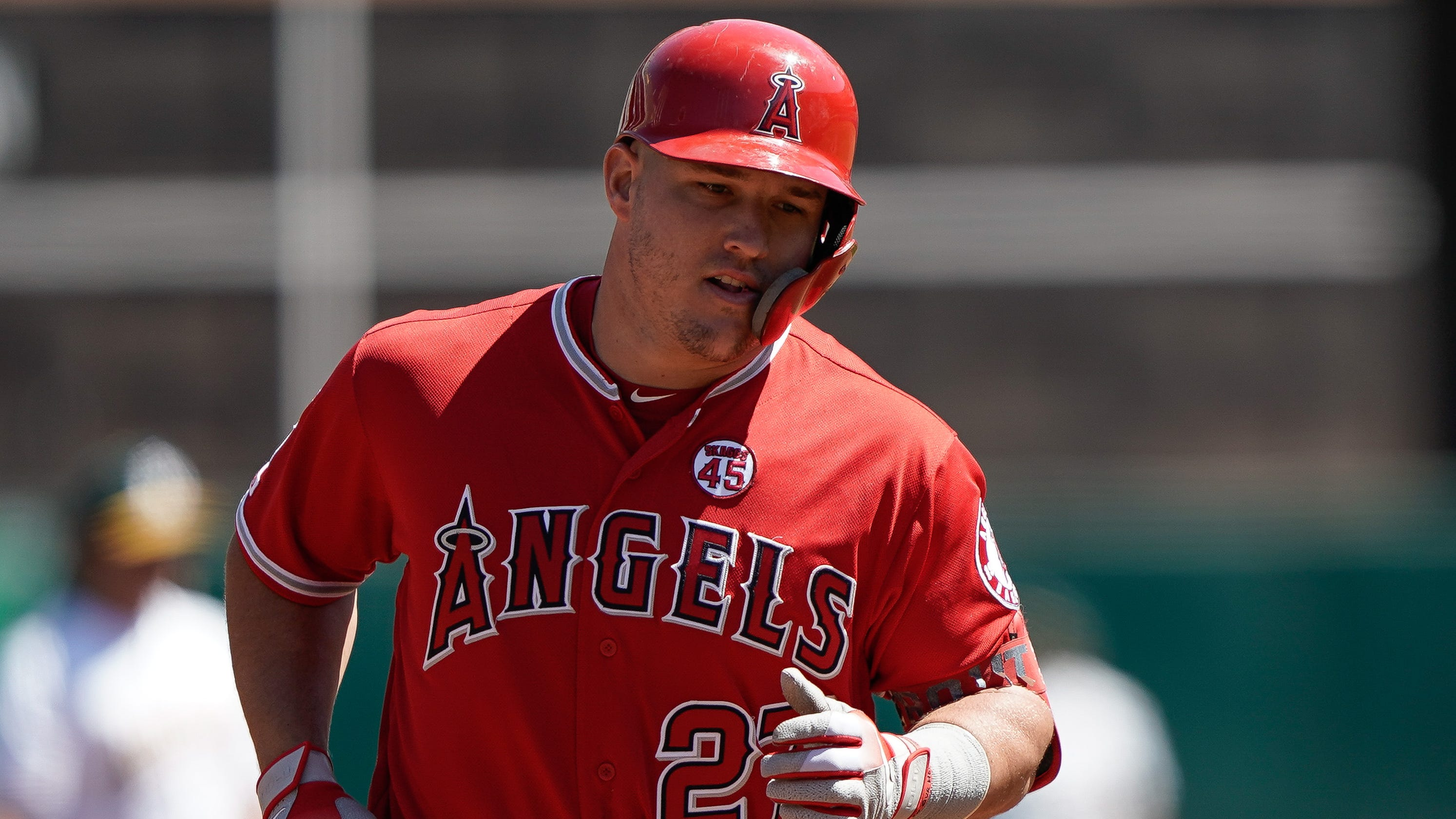 04b502db-cb46-46fa-a00f-7d5b0855b8e6-_mike-trout-out