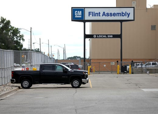 GM, UAW negotiate over temporary workers as strike continues