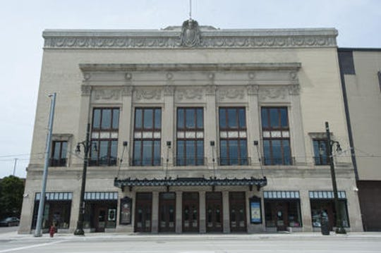 Orchestra Hall will celebrate its 100th anniversary with a free concert.
