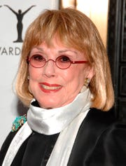 """In this Sunday, June 7, 2009, file photo, actor Phyllis Newman arrives at the 63rd Annual Tony Awards in New York. Newman, a Tony Award-winning Broadway veteran who became the first woman to host """"The Tonight Show"""" before turning her attention to fight for women's health, died Sunday, Sept. 15, 2019, in New York. She was 86."""