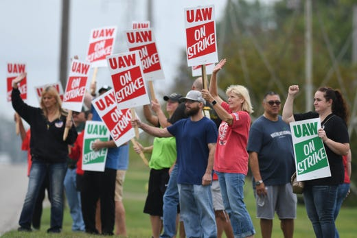 Greater Lansing businesses offer deals, discounts to striking UAW workers