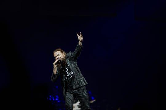 Maná se presentó en el Talking Stick Resort Arena la noche del 13 de septiembre trayendo a Phoenix su tour internacional Rayando El Sol, que continuará por Estados Unidos, México y Europa.