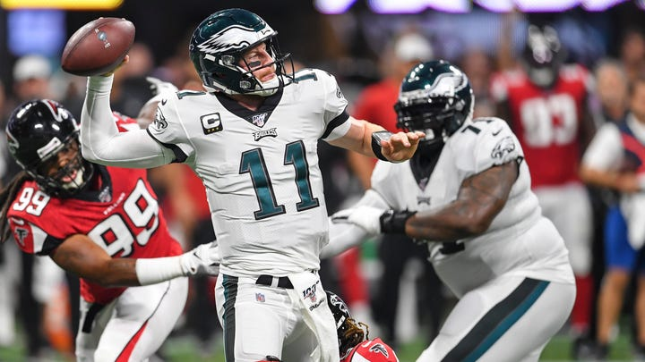 Despite talk of being injury prone, Eagles' Carson Wentz showed his toughness, even in defeat