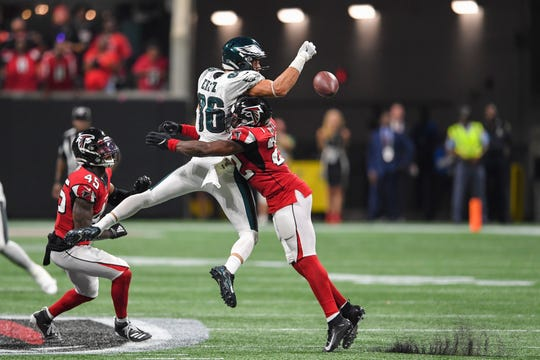 Philadelphia Eagles tight end Zach Ertz (86) reacts after scoring a two point conversion against the Atlanta Falcons during the fourth quarter at Mercedes-Benz Stadium.