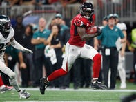 Julio Jones' late TD scorches battered Eagles in Falcons' thrilling win