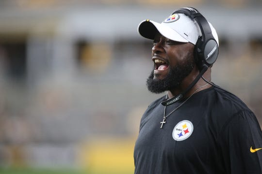 Pittsburgh Steelers head coach Mike Tomlin reacts on the sidelines against the Tampa Bay Buccaneers during the fourth quarter at Heinz Field.